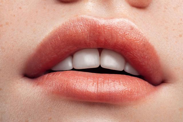 画像1: 手持ちリップで夏の唇に変身!誰でもできる簡単アレンジメイク