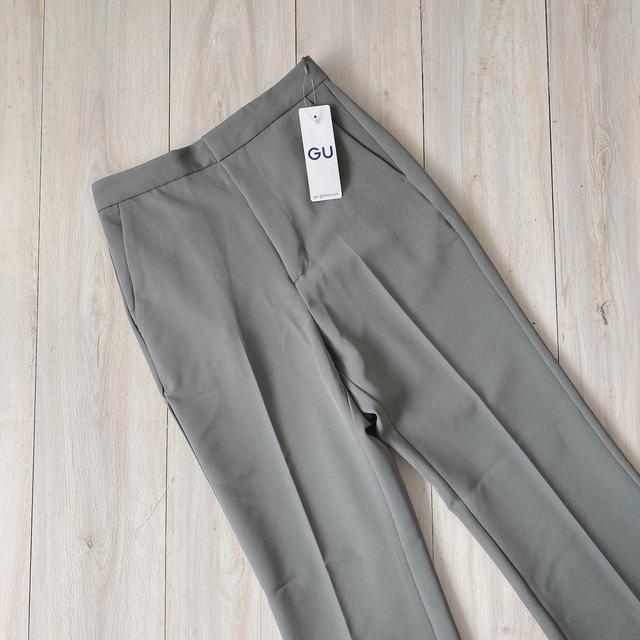 画像2: 【GU】ハンパない美脚効果。試着したら買わずにはいられなかった新作パンツ!