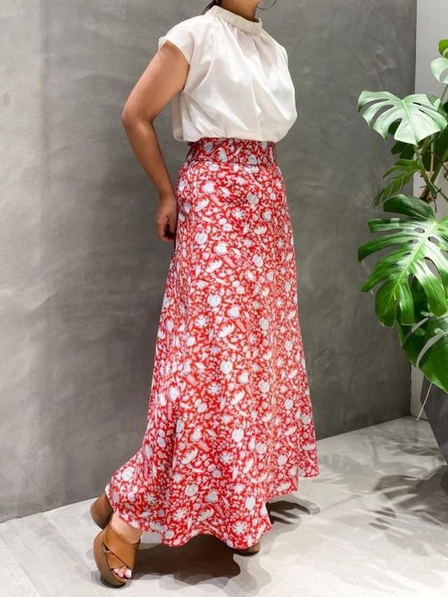 画像4: 履くだけでオンナ度UP♡「フレアスカート」の上品モテコーデ4選