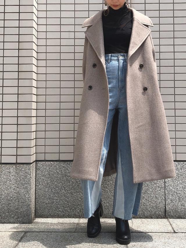画像4: 羽織るだけでスタイルアップ!「ロング丈アウター」の秋コーデ4選