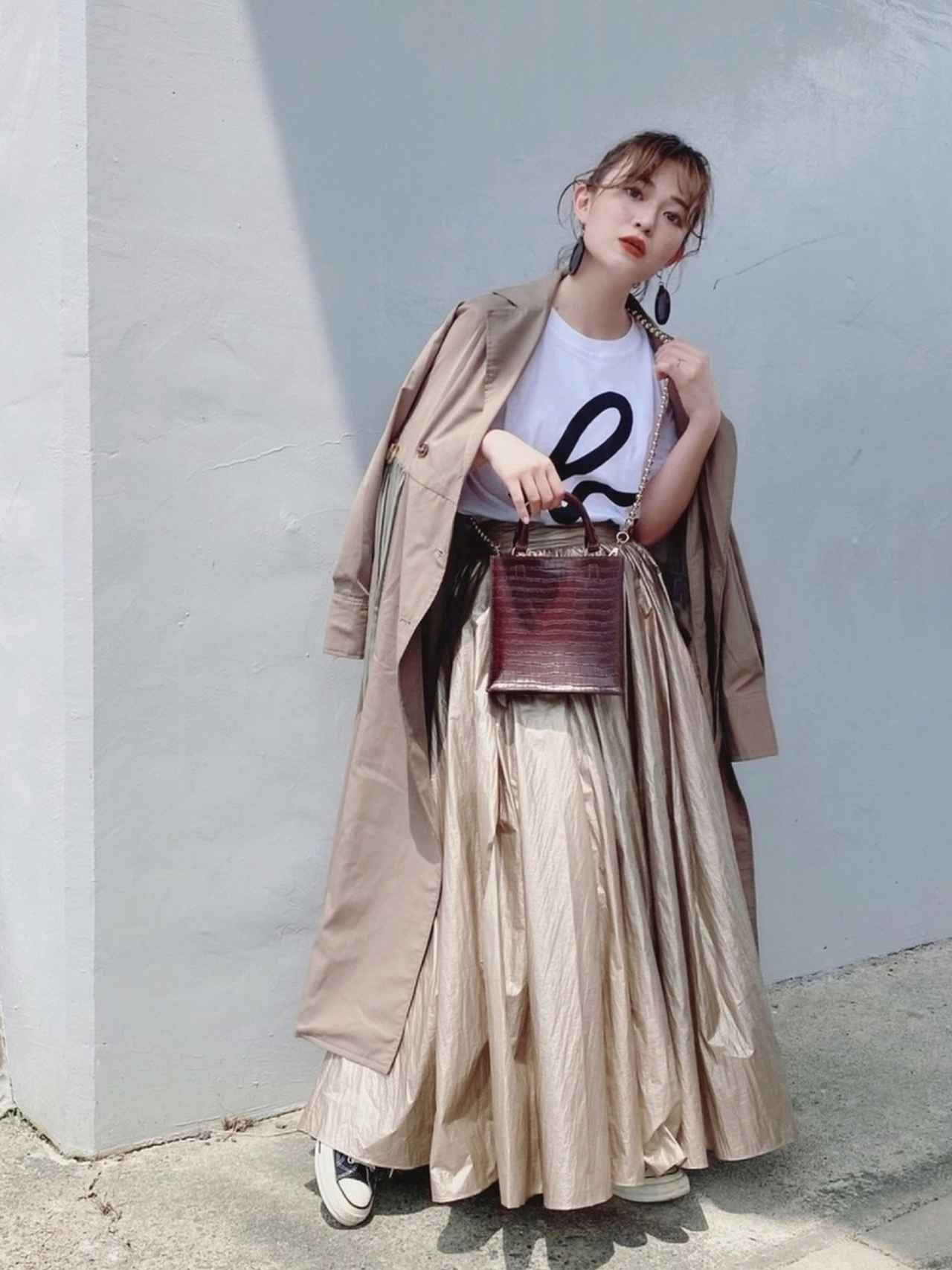 画像5: 羽織るだけでスタイルアップ!「ロング丈アウター」の秋コーデ4選