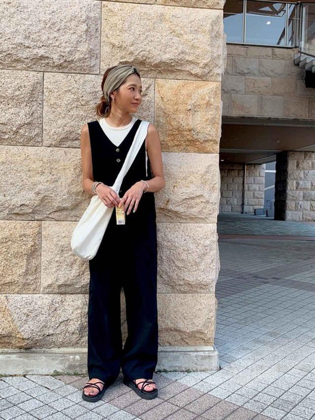 画像2: 楽チン&可愛くて最高♡大人こそ着たい「サロペットコーデ」4選