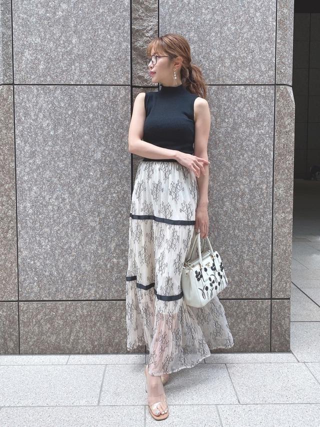 画像: 【MICOAMERI】スカート3,700円〜6,200円(税込)【MICOAMERI】トップス3,200円〜5,200円(税込)