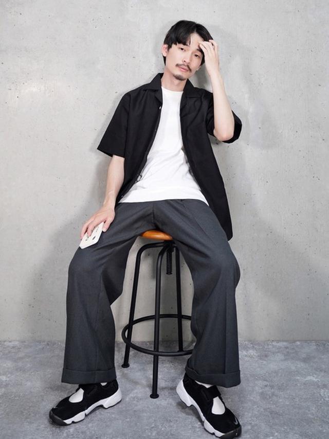 画像: 【ZIP FIVE】シャツ¥3.960(税込)【MONO-MART】Tシャツ¥4,290(税込)【MAISON SPECIAL】パンツ¥15,180(税込)【NIKE】スニーカー¥10,450(税込)