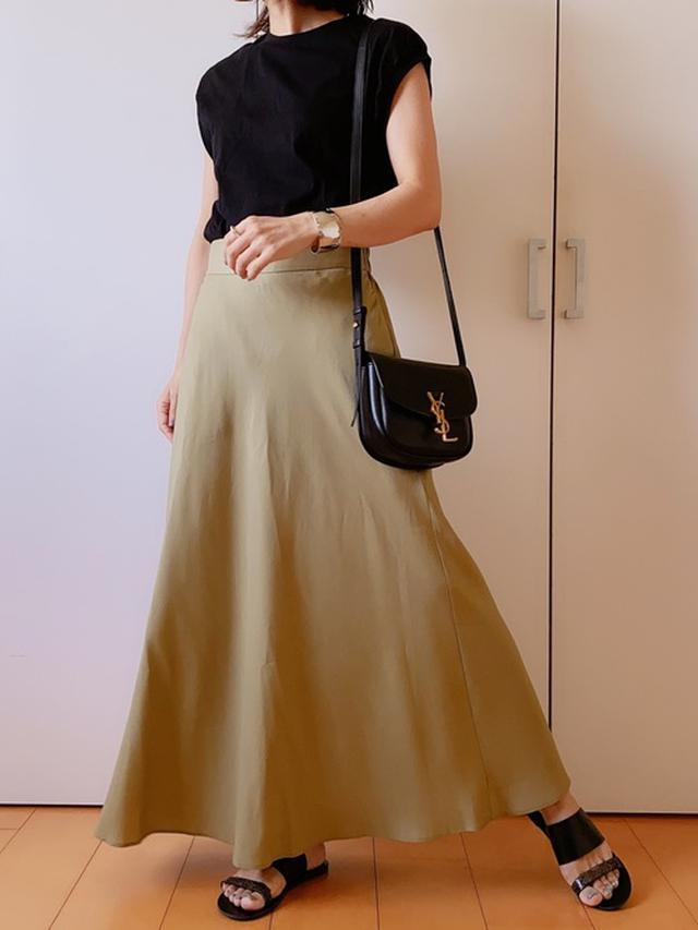 画像: 【無印良品】Tシャツ平均価格1000円~【GLOBAL WORK】スカート4950円(税込)