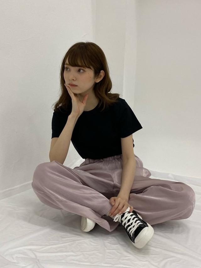 画像: 【ユニクロ】Tシャツ1100円(税込)【KBF】パンツ8690円(税込)【無印良品】スニーカー2990円(税込)