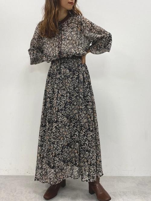 画像: 【natural couture】ワンピース¥5,390(税込)【natural couture】ブーツ¥5,390(税込)