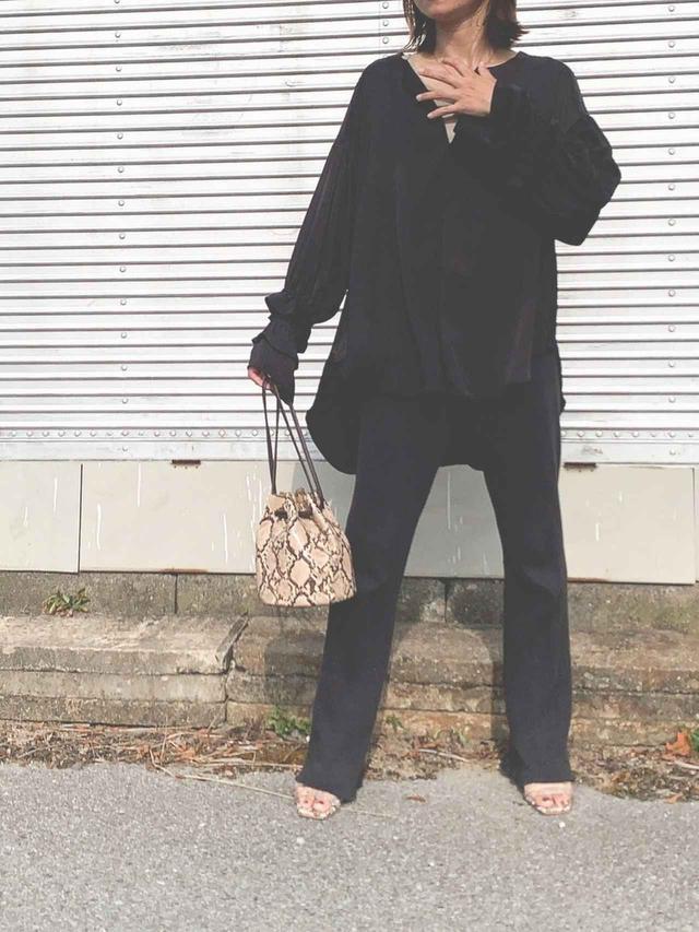 画像: 【Eimee Law】トップス9790円(税込)【Plage】パンツ15400円(税込)