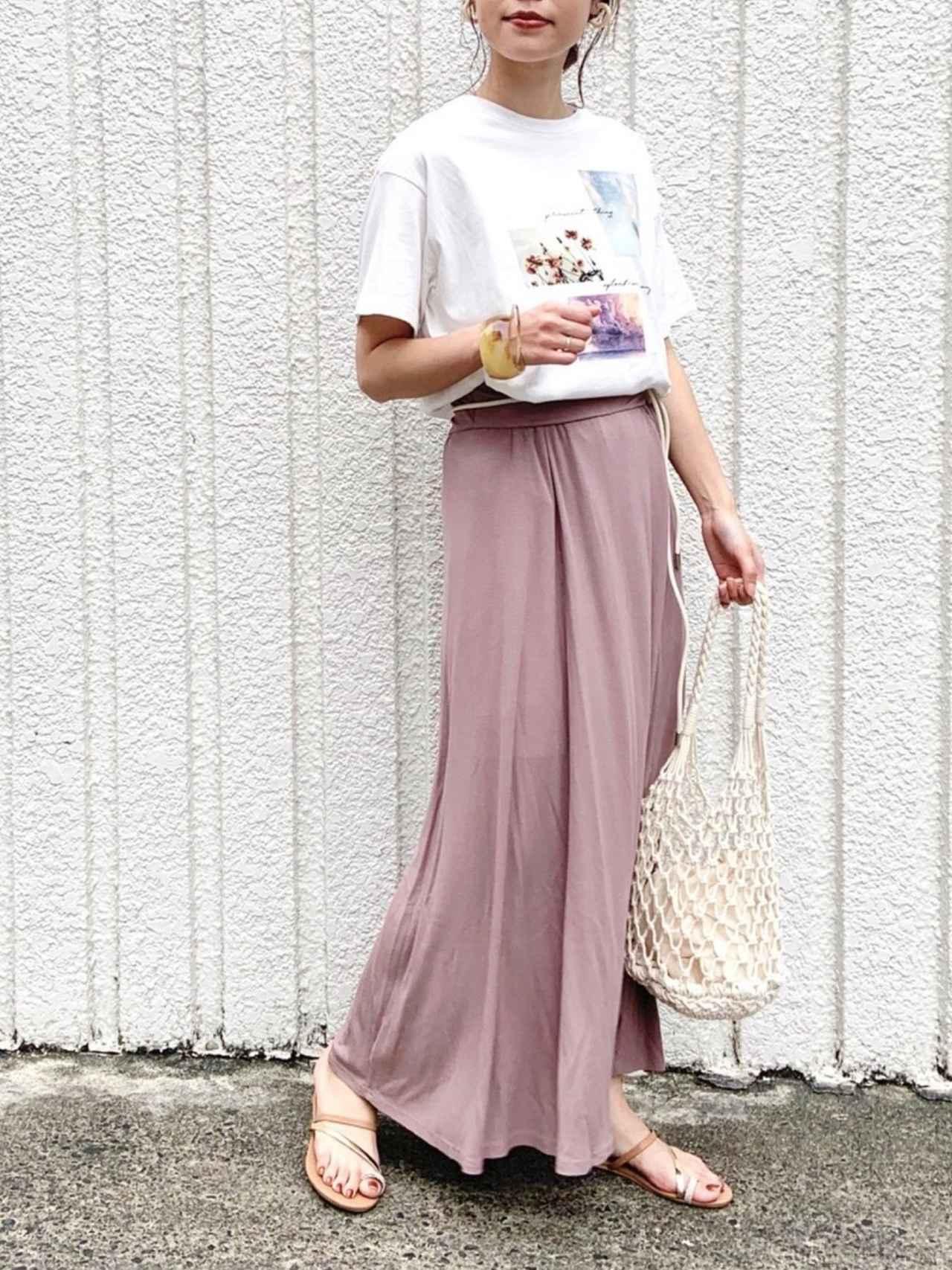 画像: 【 frames RAY CASSIN】Tシャツ ¥3,839(税込)【 frames RAY CASSIN】スカート ¥4,389(税込)