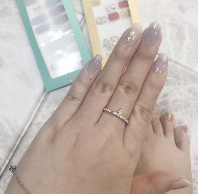 画像9: もう通う時代は古い?!韓国からやってきたお家で簡単にできる本格的ジェルネイルシール♥簡単に剥せるから普段ネイルが出来ない人も特別な日に爪から可愛く♥