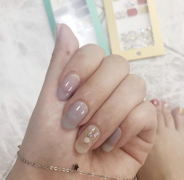 画像10: もう通う時代は古い?!韓国からやってきたお家で簡単にできる本格的ジェルネイルシール♥簡単に剥せるから普段ネイルが出来ない人も特別な日に爪から可愛く♥