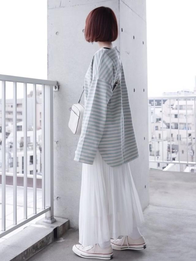 画像: 【UNIQLO】シフォンプリーツロングスカート3,289円(税込)【KBF】BIGBIGボーダーTシャツ3,245円(税込)