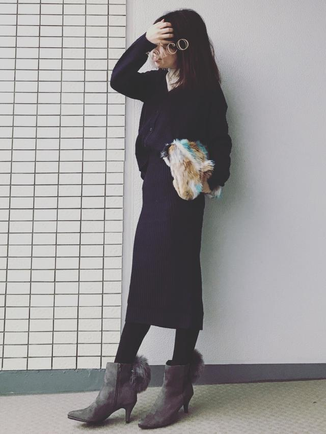 画像: 【GU】セットアップ平均価格¥5,000〜¥6,000【GU】ニット/セーター平均価格¥2,000〜¥3,000【Fashion Letter】バッグ¥5,390(税込)【GU】ブーツ平均価格¥3,000〜¥4,000