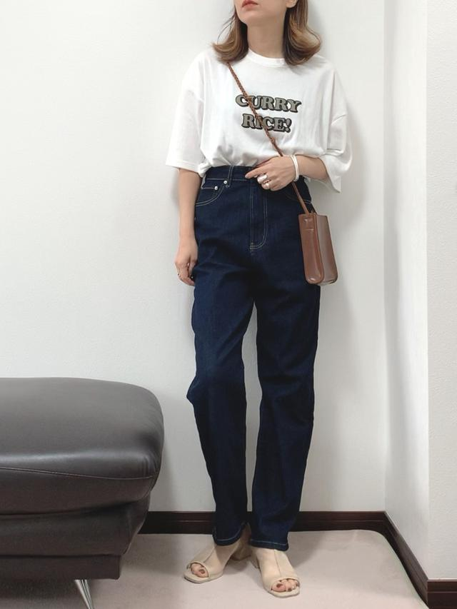 画像: 【Chillfar】Tシャツ2,750円(税込) 【Chillfar】パンツ3,960円(税込) 【CLEA】バッグ3,055円(税込) 【VACANCY】サンダル3,960円(税込)