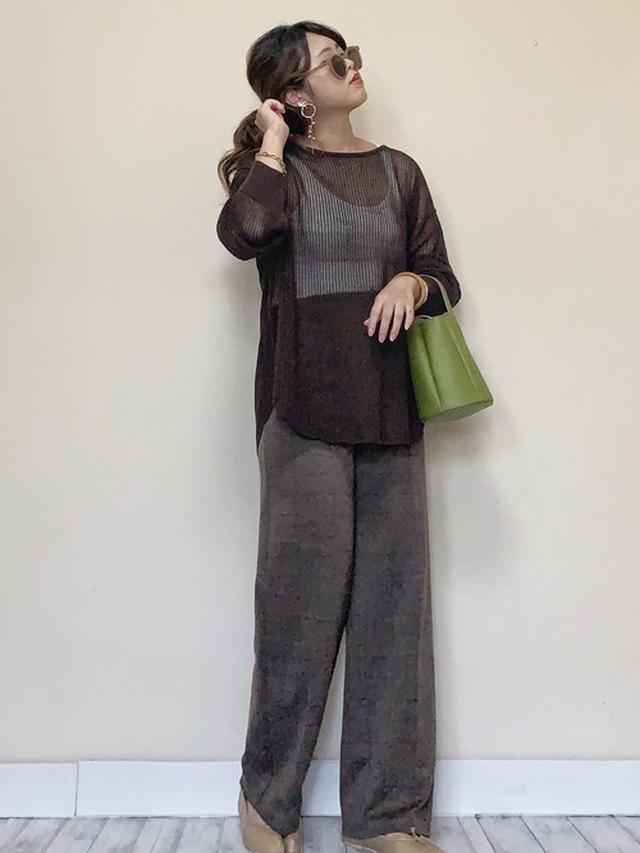 画像: 【ユニクロ】カップ付きタンク¥2,189(税込)【GU】メッシュセーター 平均価格¥1,500~¥3,500【GU】パンツ 平均価格¥2,500~¥4,500