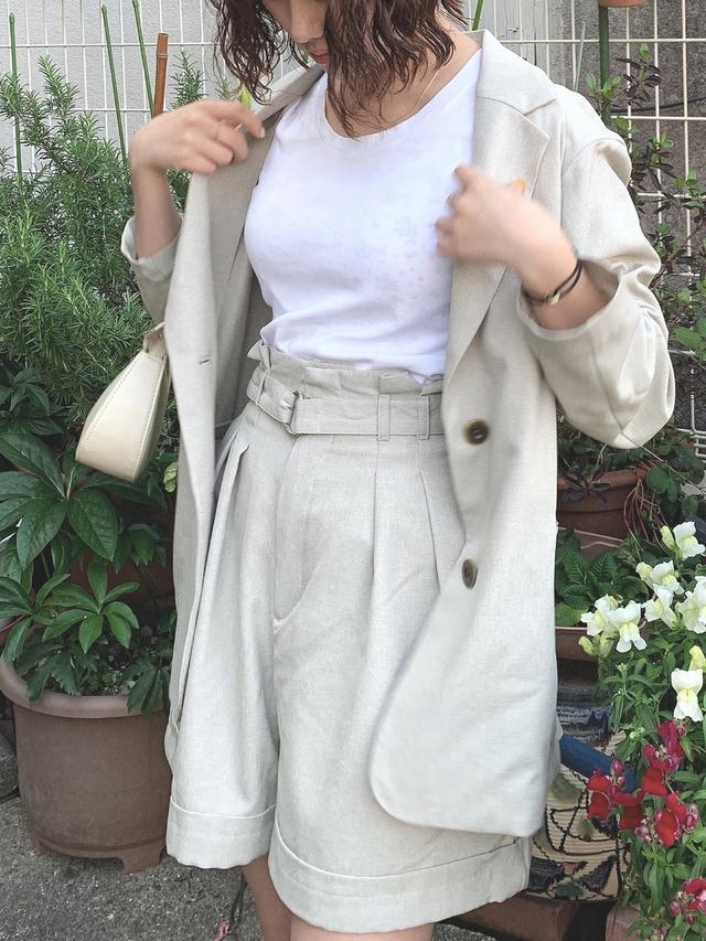 画像: 【GU】ジャケット平均価格¥3,000〜¥5,000【GU】パンツ平均価格¥2,000〜¥3,000【ユニクロ】Tシャツ/カットソー平均価格¥1,000〜¥2,000