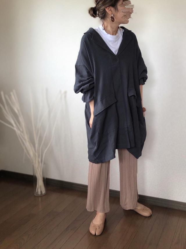画像: 【Happy John】シャツ¥5,500(税込)【Auntie Rosa Holiday】パンツ¥3,960(税込)【Vivian】シューズ¥2,970(税込)