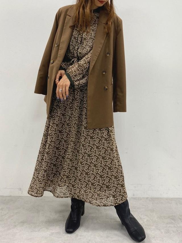 画像: 【natural couture】ワンピース5390円(税込)【natural couture】テーラードジャケット7590円(税込)【natural couture】ブーツ5390円(税込)