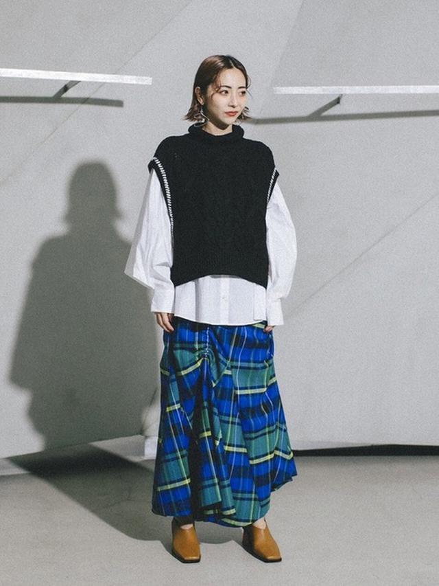 画像: 【UN3D】スケッチケーブルベストセット 37,400円 チェックギャザースカート 41,800円