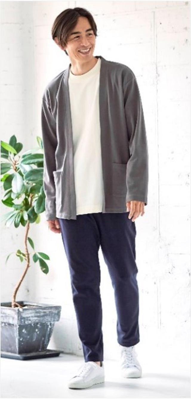 画像: 【SEASON REASON by Lin.& Red】カーディガン¥1,290(税込)Tシャツ¥990(税込)テーパードパンツ ¥1,790(税込)