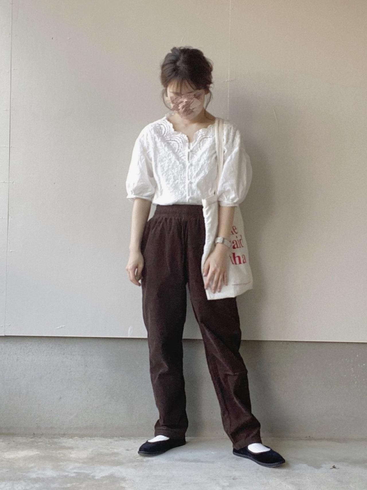 画像: 【GU】パンツ平均価格 ¥2,000〜¥3,000【node.】シャツ平均価格 ¥4,000〜¥5,000【Bshop】シューズ ¥13,200(税込)
