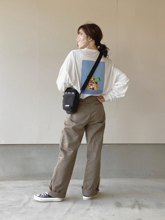 画像: 【kutir】Tシャツ・カットソー1795円(税込)【UNIQLO】パンツ4389円(税込)【GRL】スニーカー1527円(税込)【Kappa】ショルダーバッグ3949円(税込)