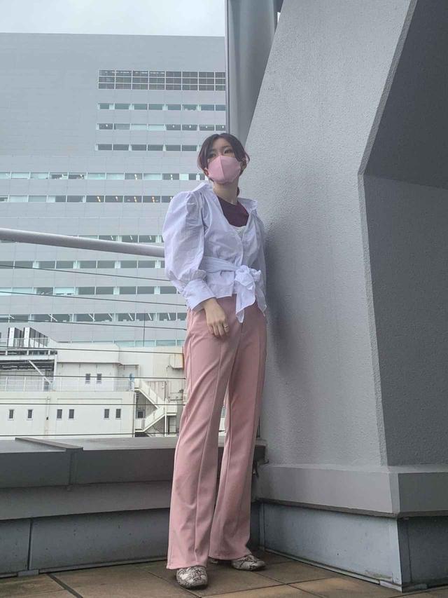 画像: 【ZARA】ブラウス参考価格2,990円〜5,990円【Kastane】パンツ6,490円(税込)【SESTO】ブーツ4,073円(税込)
