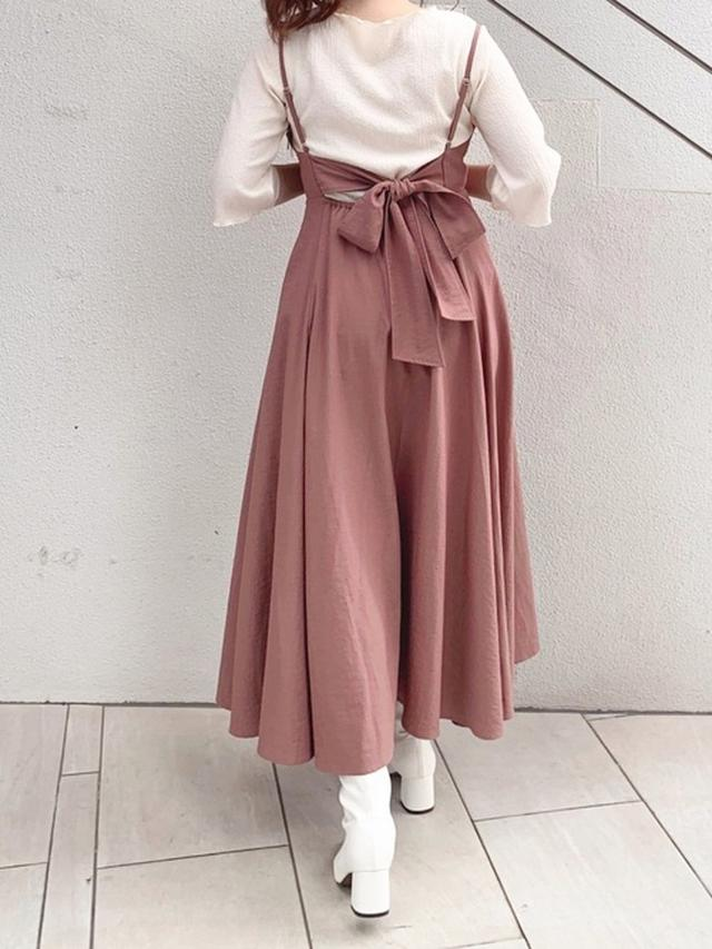 画像: 【natural couture】Tシャツ・カットソー2750円(税込)【natural couture】ワンピース5390円(税込)【natural couture】ブーツ5390円(税込)