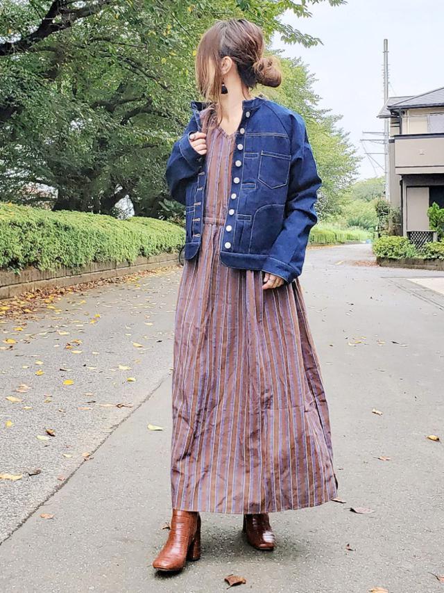 画像: 【sakishimatokyo】ワンピース¥6,589 (税込)【sakishimatokyo】ジャケット¥6,490 (税込)【Ungrid】ブーツ¥15,400 (税込)