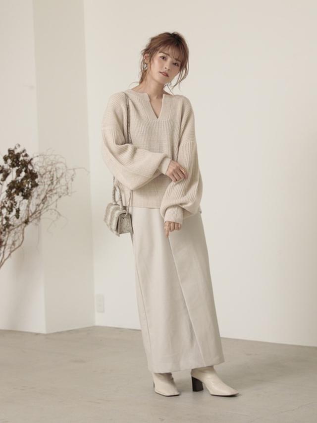 画像: 【Re:EDIT】ニットプルオーバー ¥4,609(税込)スカート ¥4,990(税込)