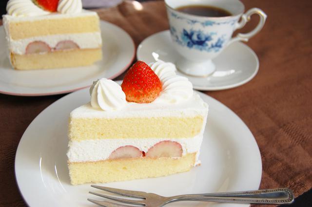 画像1: モテる女の子は実行済み!誰が見てもキレイと思うショートケーキの食べ方<カシコ美人マナー>