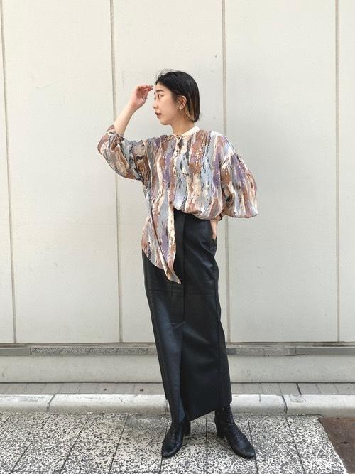 画像: 【CAPRICIEUX LE'MAGE】レザーラップ風スカート ¥12,980(税込)