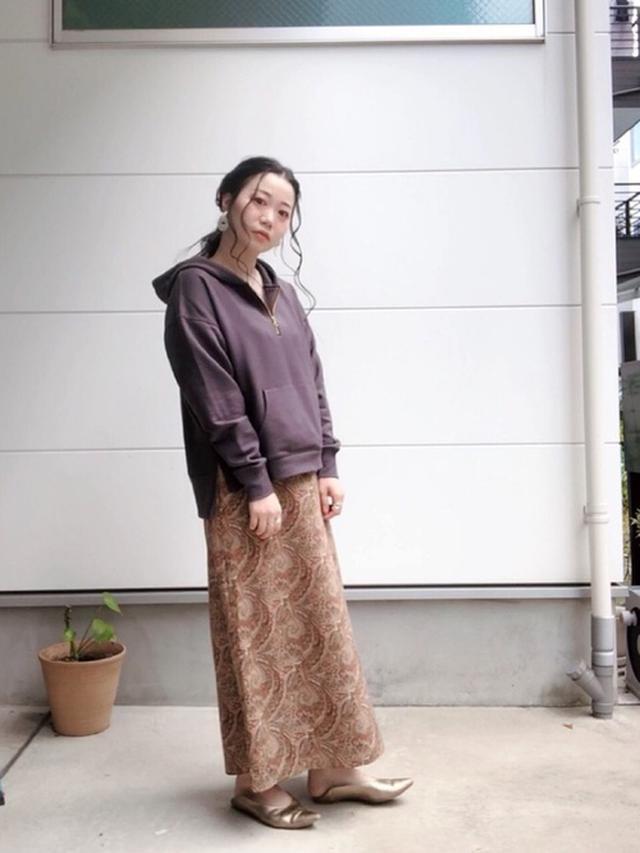 画像: 【Te chichi】パーカー5500円(税込)【Te chichi】スカート7700円(税込)