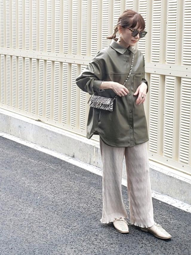 画像: 【H&M】フェイクレザーシャツジャケット