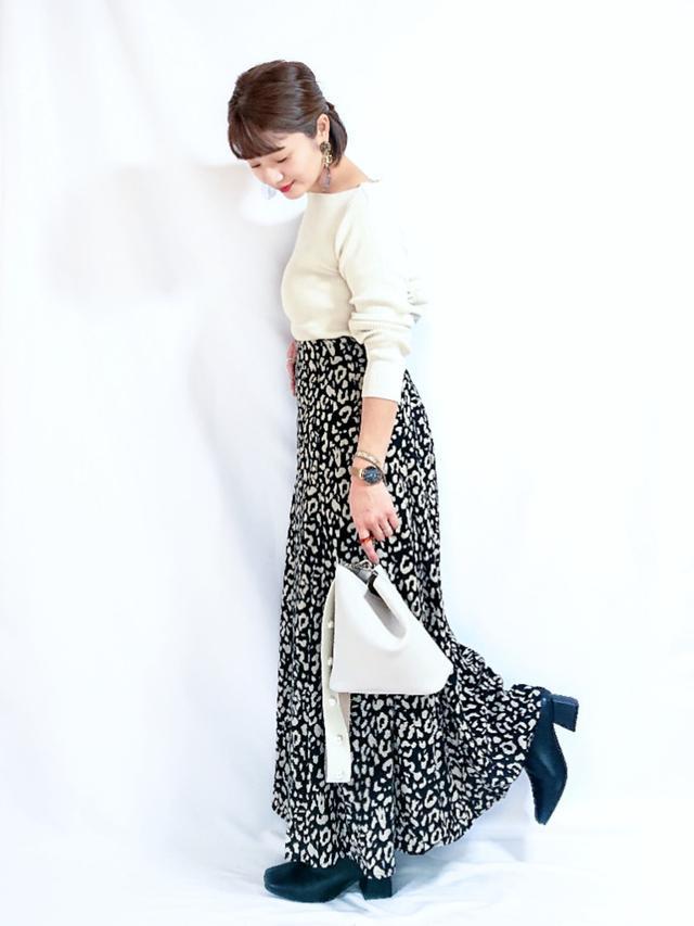 画像: 【NOFALL】ショートブーツ ¥5,000(税込)【ap retro】スカート ¥3,520(税込) 出典:WEAR
