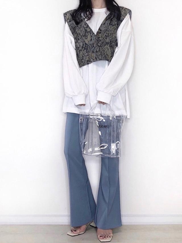 画像: 【PairPair】ビスチェ×ロンTセット ¥2,995(税込)【GRL】パンツ ¥2,036(税込) 出典:WEAR