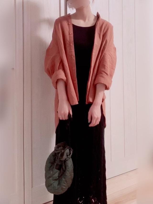 画像: 【antiqua】シャツ/ブラウス¥3,960(税込)【しまむら】スカート平均価格¥1,500~¥3,000【3COINS】バッグ平均価格¥330~¥1,100 出典:WEAR