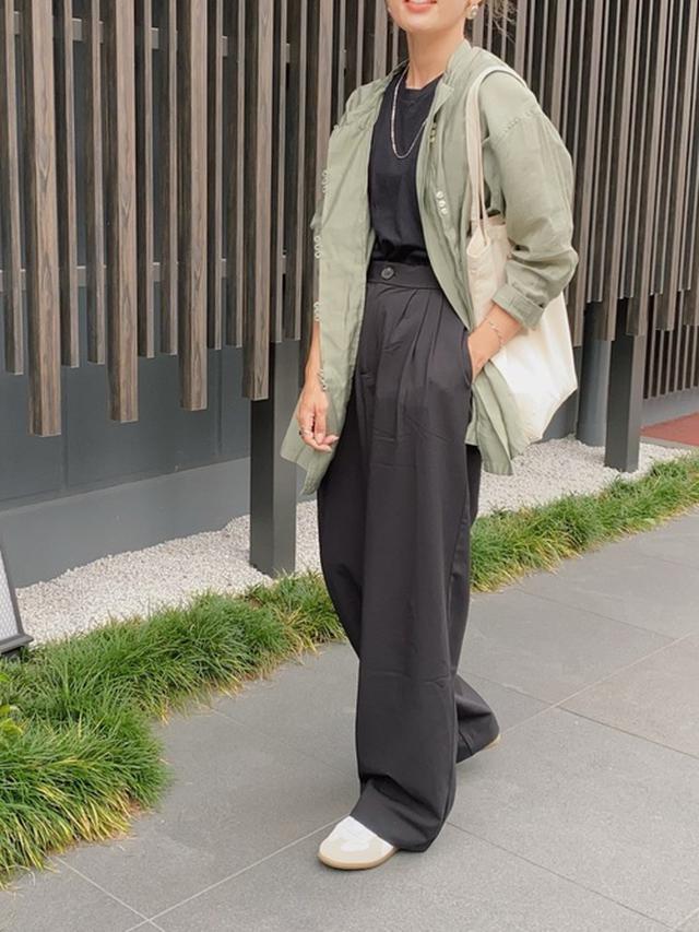 画像: 【FREAK'S STORE】チャイナシャツ¥6,996(税込)【HANES】カットソー¥5,280(税込)【ZARA】スラックス 平均価格¥2,000~¥5,000 出典:WEAR