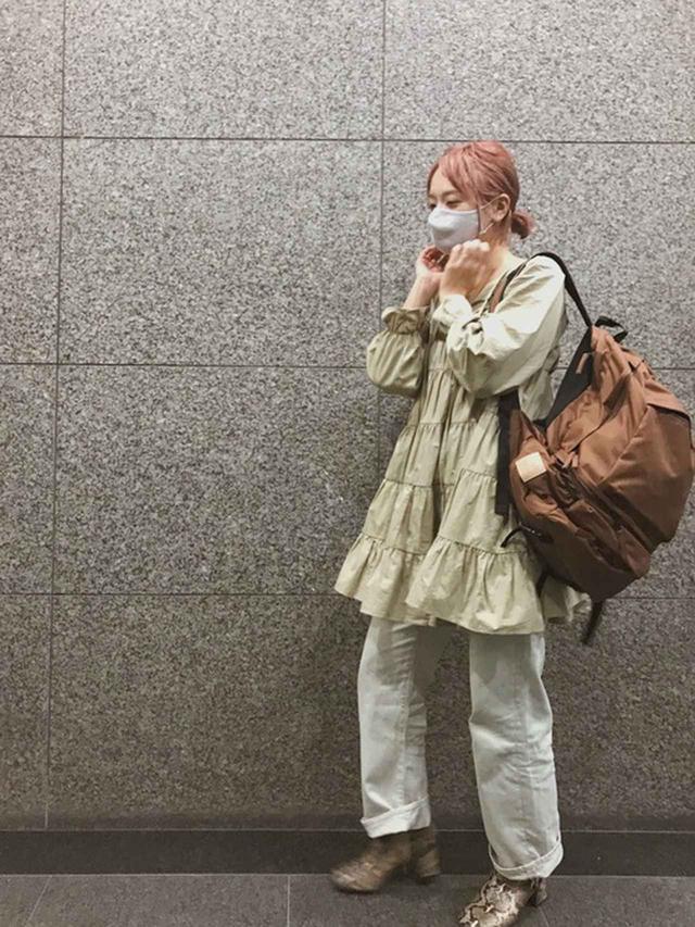 画像: 【RUBY AND YOU】ワンピース平均価格¥10,000~¥13,000【ANATOMICA】パンツ¥29,700(税込)【RUBY AND YOU】バッグ平均価格¥8,000~¥10,000【Casselini】ブーツ¥10,450(税込) 出典:WEAR