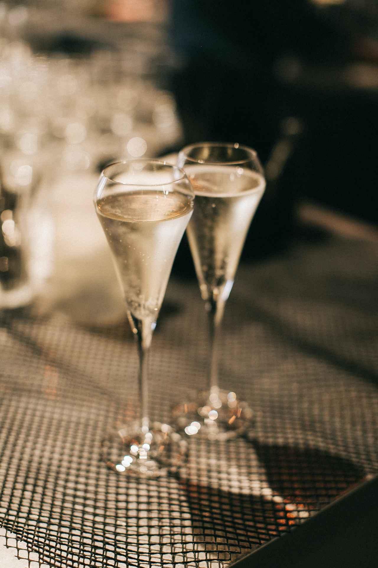画像1: 親友の結婚式に参加!知らないと恥ずかしいコース料理の食べ方<カシコ美人マナー>