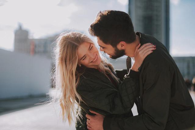 画像: 本当は好きが溢れてます。草食系男子の恋してる女子へのアピール方法