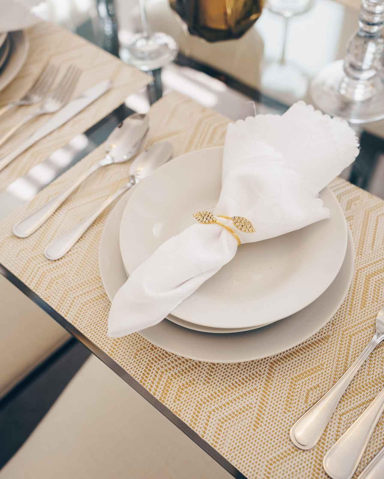 画像2: 親友の結婚式に参加!知らないと恥ずかしいコース料理の食べ方<カシコ美人マナー>