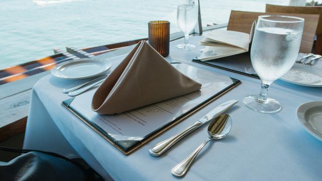 画像1: 初めてのフランス料理♡覚えておきたいナイフとフォークの持ち方&置き方<カシコ美人マナー>