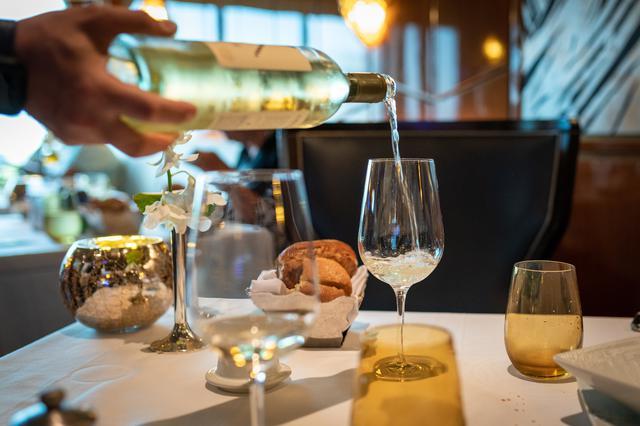 画像3: 初めてのフランス料理♡覚えておきたいナイフとフォークの持ち方&置き方<カシコ美人マナー>