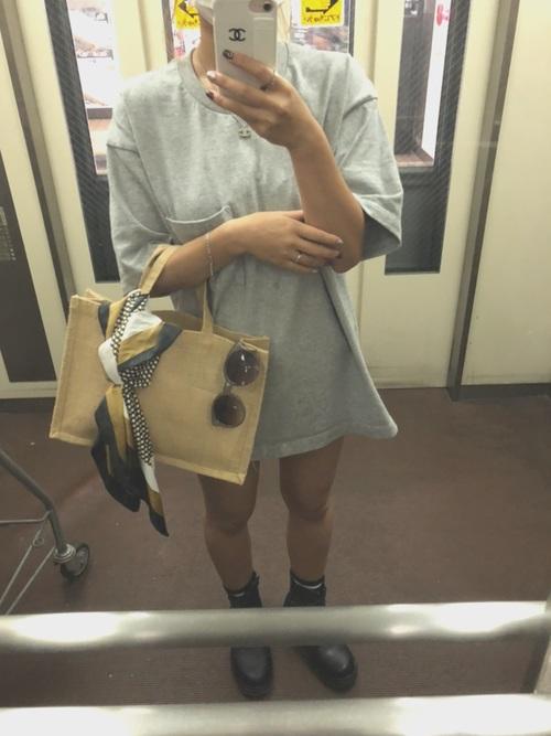 画像: 【DAISO】バッグ110円(税込) 【GU】Tシャツ1089円(税込)