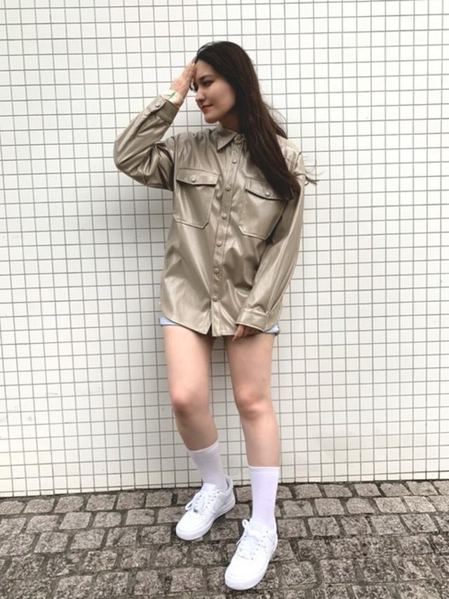 画像: 【Bonjour Girl】エコレザーオーバーサイズシャツジャケット9790円 【NIKE】ナイキ エア フォース 1 '07 1万1000円