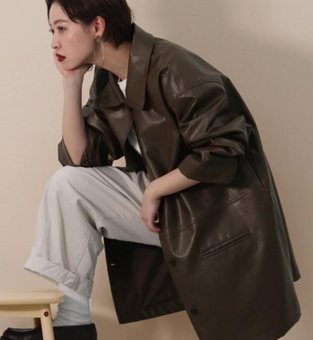 画像: 【kutir】フェイクレザーコート¥4,995(税込)【参考商品】パンツ、Tシャツ、シューズ 出典:ZOZOTOWN