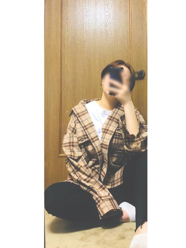 画像: 【GU】CPOジャケット ¥2,739(税込) 【ユニクロ】ウルトラストレッチジーンズ ¥4,389(税込) 【Carhartt】ワンポイントビッグシルエットポケットTシャツ ¥4,950(税込)