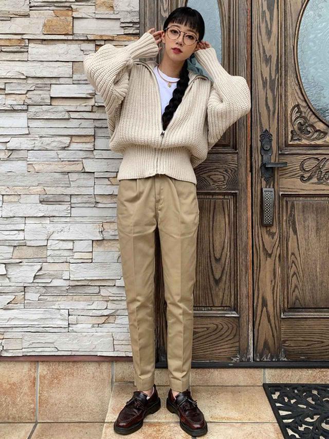 画像: 【ZARA】ジップアップニットカーディガン¥5,990(税込)【Dickies】パンツ 平均価格¥6,000~ 出典:WEAR