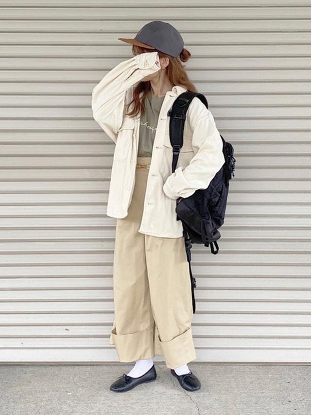 画像: 【GU】シャツ平均価格 ¥1,500~ 【LOWRYS FARM】パンツ平均価格 ¥6,000~ 【SVEC】甲深フラットシューズ ¥2,178(税込) 【Coleman】ウォーカー33 ¥7,480(税込) 出典:WEAR